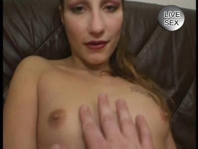 Blondes Cam Girl beim Arsch Dildofick