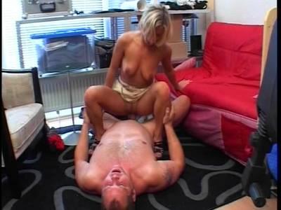 Blondine beim Casting durchgefickt
