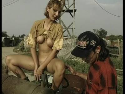 Outdoor Sex mit süßer deutscher Blondine
